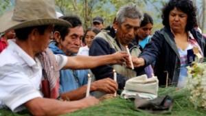 Berta Caceres bei der Trauerfeier für 2014 ermordete Aktivisten