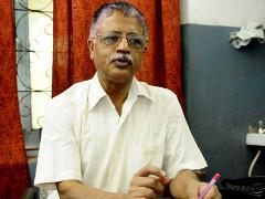 Dr. Jana - in Modis Indien nach 24 Jahren angeklagt: Weil er demosntrierende Arbeiter versorgt hatte