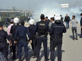 Polizei gegen türkische Renaulltarbeiter am 1.3.2016