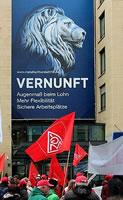"""Tarifrunde der Metall- und Elektroindustrie 2016: Das Kapital ruft nach """"Pakt der Vernunft"""" - Fotogalerie von Arbeiterfotografie, Fotos: Werner Rauch"""