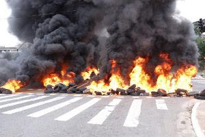 MST Strassenblockade bei Rio de Janeiro 25.4.2016