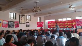 Versammlung der unabhängigen Betriebsgewerkschaften bei Autofirmen im Grossraum Delhi am 4.5.2016