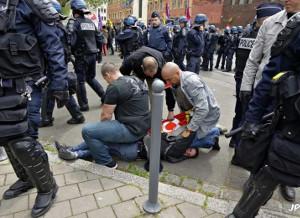 Festnahme von Antoine (CGT) am 17. Mai 2016 in Lille bei der Demonstration gegen das neue Arbeitsgesetz