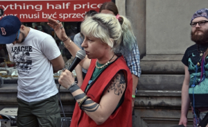Streikversammlung bei veganem Restaurant in warschau am 15.6.2016