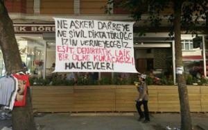 Statement der Halkevleri in Esenyurt: Wir werden weder einen Militärputsch noch eine zivile Diktatur akzeptieren. Wir werden ein laizistisches, demokratisches Land mit gleichen Rechten für alle aufbauen.