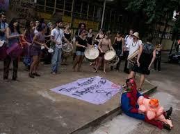 """Die """"Kellys"""" (Putzfrauen) demonstrieren auf Mallorca im Juli 2016 für einen Tarifvertrag"""