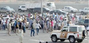 Entlassene Oger-Arbeiter demonstrieren in der saudischen Wüste - am 11.8.2016