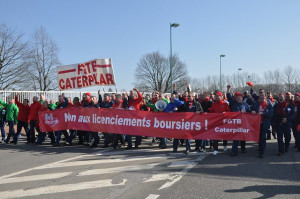 2013 demonstrierte die Belegschaft von Caterpillar gegen Kürzungen - jetzt gegen Schließung?