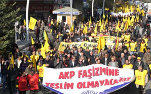 Protestaktion der Bildungsgewerkschaft Egitim Sen gegen Entlassungen und Suspendierungen. Hier: Ankara, 8. September 2016 (sendika.org)