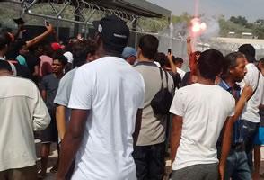 Anwohner gegen Flüchtlinge, Flüchtlinge gegen Massenabschiebung: Lage auf Lesbos eskaliert