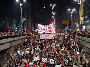 Gemeinsame Demonstration in Brasilia am 11. November 2016: Dass die Besetzungsbewegung in Schulen und Unis und Gewerkschaften zusammen gehen, ist leider die Ausnahme