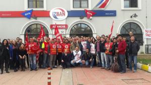 Streik bei Izmirs İZBAN - hier: mit Solidaritätsbesuch von MSC/MEDLOG-Arbeiter*innen (November 2016, sendika.org)