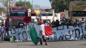 Strassenblockade Mexiko Stadt gegen Benzinpreiserhöhung am 2.1.2017