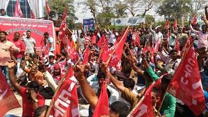 Demonstration des indischen Gewerkschaftsbundes AICCTU am 26.12.2016 gegen Demonetarisierung