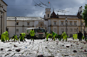 Müllwerker im portugiesichen Coimbra