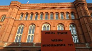 Protestplakat gegen den Senat auf der Berliner Mieter/Holm-Demo am 28.1.2017