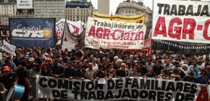 Demonstration vor der besetzten Clarin Druckerei in Buenos Aires am 24.1.2017