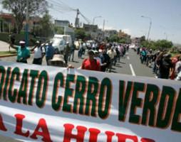 Die Belegschaft der peruanischen Kupfermine Cerro Verde bei einer Streikdemonstration am 14.3.2017