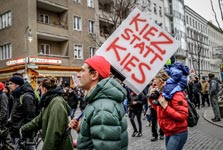 Kiez statt Kies: Kiezdemo gegen Verdrängung [Berlin, 25.2., Umbruch Bildarchiv]