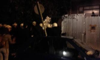 Mitten in der Nacht: Polizeiüberfall in Athen am 13.3.2017