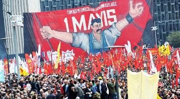 Der 1. Mai 2010 auf dem Taksim - eines der wenigen Jahre, in denen hier eine Demo erlaubt wurde