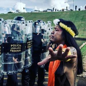Auch Indigene beteiligten sich zu Tausenden am brasilianischen Generalstreik am 28.4.2017