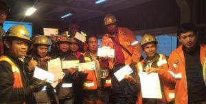 Streik gegen Kurzarbeit bei Freeport Indonesien: Sie werden aus den Unterkünften verjagt und verdienen keine lebenswichtigen Zuschläge mehr