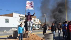 Die Jugendporteste im Süden Tunesiens haben sich nach dem Tod eines Demonstranten radikalisiert - hier am 24.5.2017