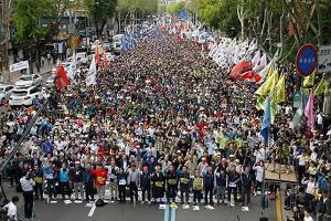 Maidemonstration des KCTU in Seoul am 1.5.2017 für Frieden und Demokratie mit rund 70.000 TeilnehmerInnen