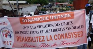 Die Maidemonstration 2017 in Gabuns Hauptstadt Libreville in Solidarität mit den Lehrergewerkschaften - kurz, bevor sie von der Polizeiüberfallen wurde