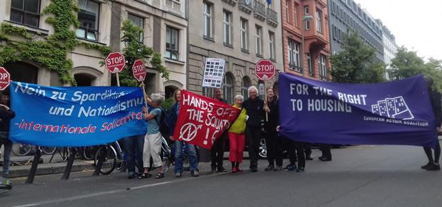 """Verteidigt """"City Plaza"""" und andere selbstbestimmte Räume für Geflüchtete! Protestaktion vor der griechischen Botschaft in Berlin am 23.6.2017"""