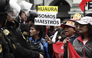 Peru im August 2017: Lehrerdemo in Lima für Streikfortsetzung: Geht es nach der KP, sind alles Terroristen