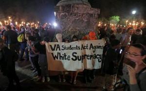 11.8.17 - Virginia Studierende gegen Faschistendemo in Charlottesville