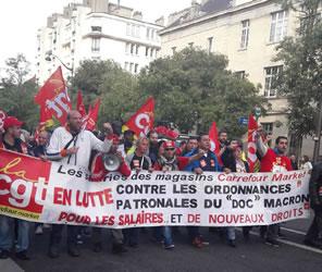 Paris gestern: CGT-Block mit Lohnabhängigen einer Supermarktkette. Foto von Bernard Schmid vom 12.9.2017