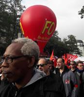 Paris gestern: Gewerkschafter von FO, die entgegen der Positionen ihres Generalsekretärs mit demonstrieren. Foto von Bernard Schmid vom 12.9.2017