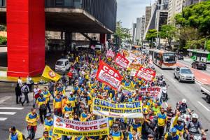 Streikende Postbeschäftigte demonstrieren in Sao Paulo am 3.10.17