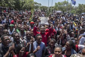 Gegen Mugabe - Universität von Harare besetzt am 20.11.2017