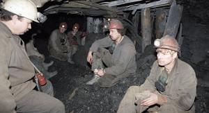 Kasachische Bergarbeiter besetzen Arcelor Zeche am 11.12.17