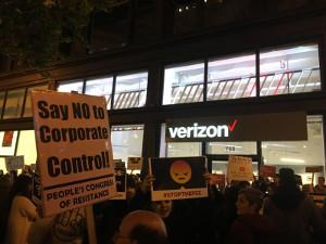 Demonstration in Washington vor dem Sitz der FCC Behörde für Netzneutralität