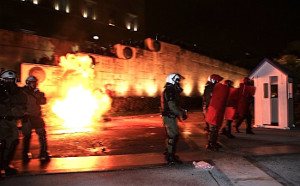 Riot vor Athener Parlament 15.1.2018