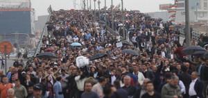 Ärzte und Krankenschwestern demonstrieren gegen Gehaltskürzungen durch die kurdische Regionalregierung in Erbil am 25.3.2018