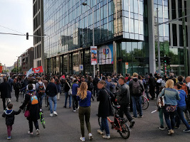 Demonstration in Mons am 18.5.2018 fordert nach Kindermord den Rücktritt des Innenministers