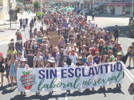 Demonstration gegen Terror auf andalusischen erdbeerfeldern - in Solidarität mit marokkanischen Landarbeiterinnen am 16.6.2018 in Huelva