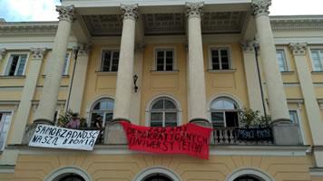Universität Warschau im Juni 2018 besetzt: Die Gegenreform des höheren Bildungswesens durch die polnische Regierung soll verhindert werden