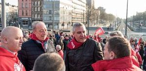 Die beiden angeklagten Gewerkschafter vor dem Gericht in Antwerpen am 15.6.2018
