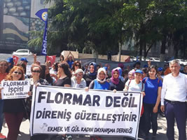 Streikende Flormar Frauen bei Yves Rocher Türkei - Solidarität gegen entlassungen gefragt