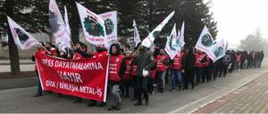 Metallgewerkschaft Türkei gegen Streikverbot 2018