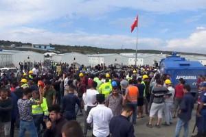 Flughafen Istanbul 15.9.2018: Wasserwerfer fahren gegen streikende Bauarbeiter vor
