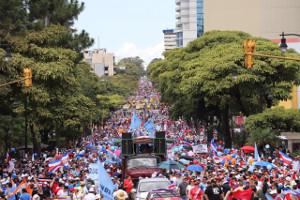 Historische Demonstration gegen Steuererhöhungen in der Hauptstadt Costa Ricas am 12.9.2018