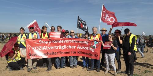 KlimagewerkschafterInnen auf Hambacher Demo am 6. Oktober 2018